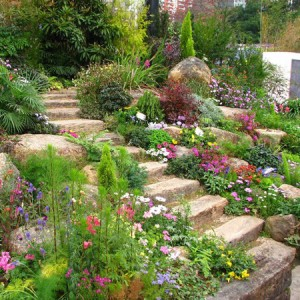 beautiful-low-maintenance-small-garden-design-how-to-create-low-maintenance-garden-interiorholiccom